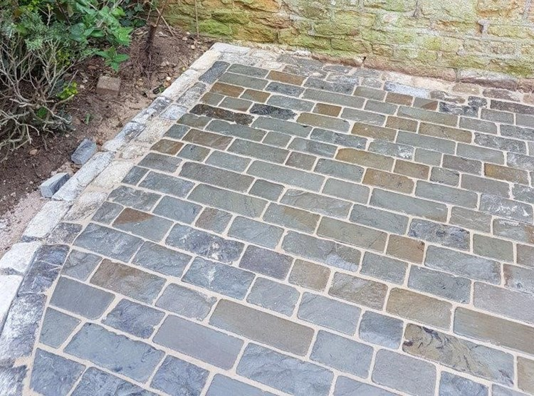 Chelverton Setts - Rustic Finish